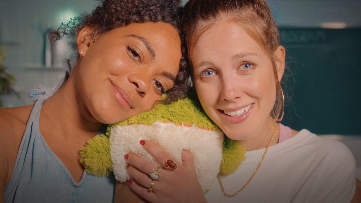 Afbeelding van Nellie en Dzifa gebruiken samen 2C-B | Drugslab