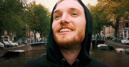 Afbeelding van Bastiaan ervaart truffels op een boot in Amsterdam | Drugslab