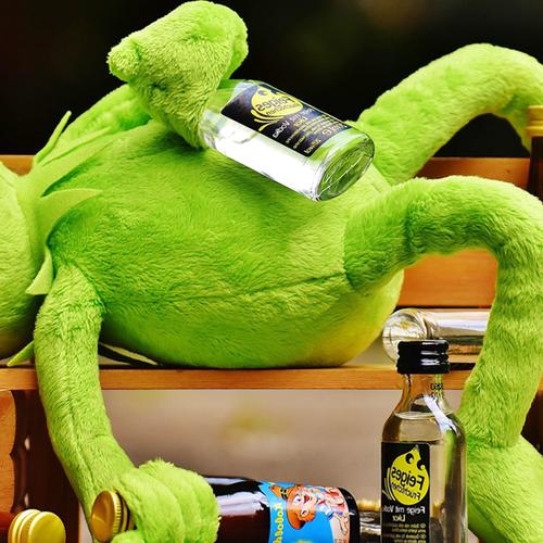 Afbeelding van Poll: Vanaf hoeveel glazen alcohol per week is iemand alcoholist?